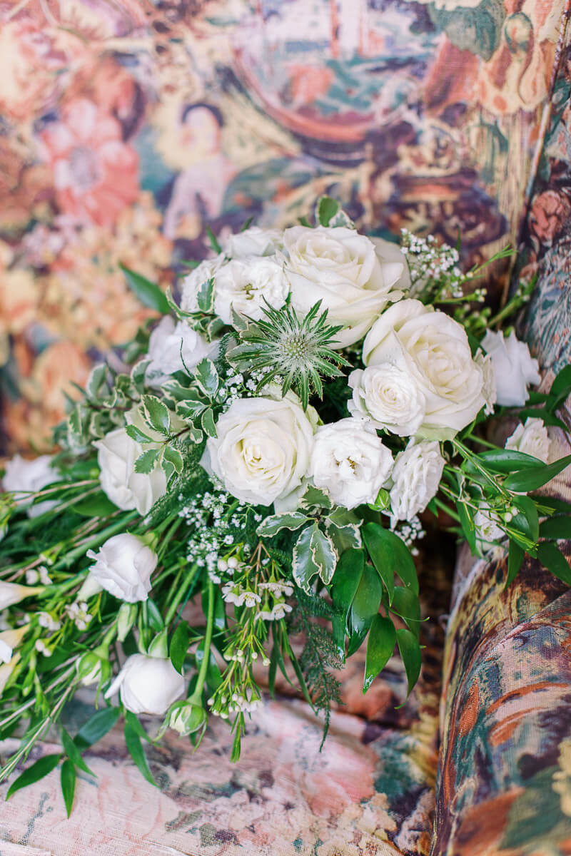 beautiful wedding flower bouquet for classic elegant wedding
