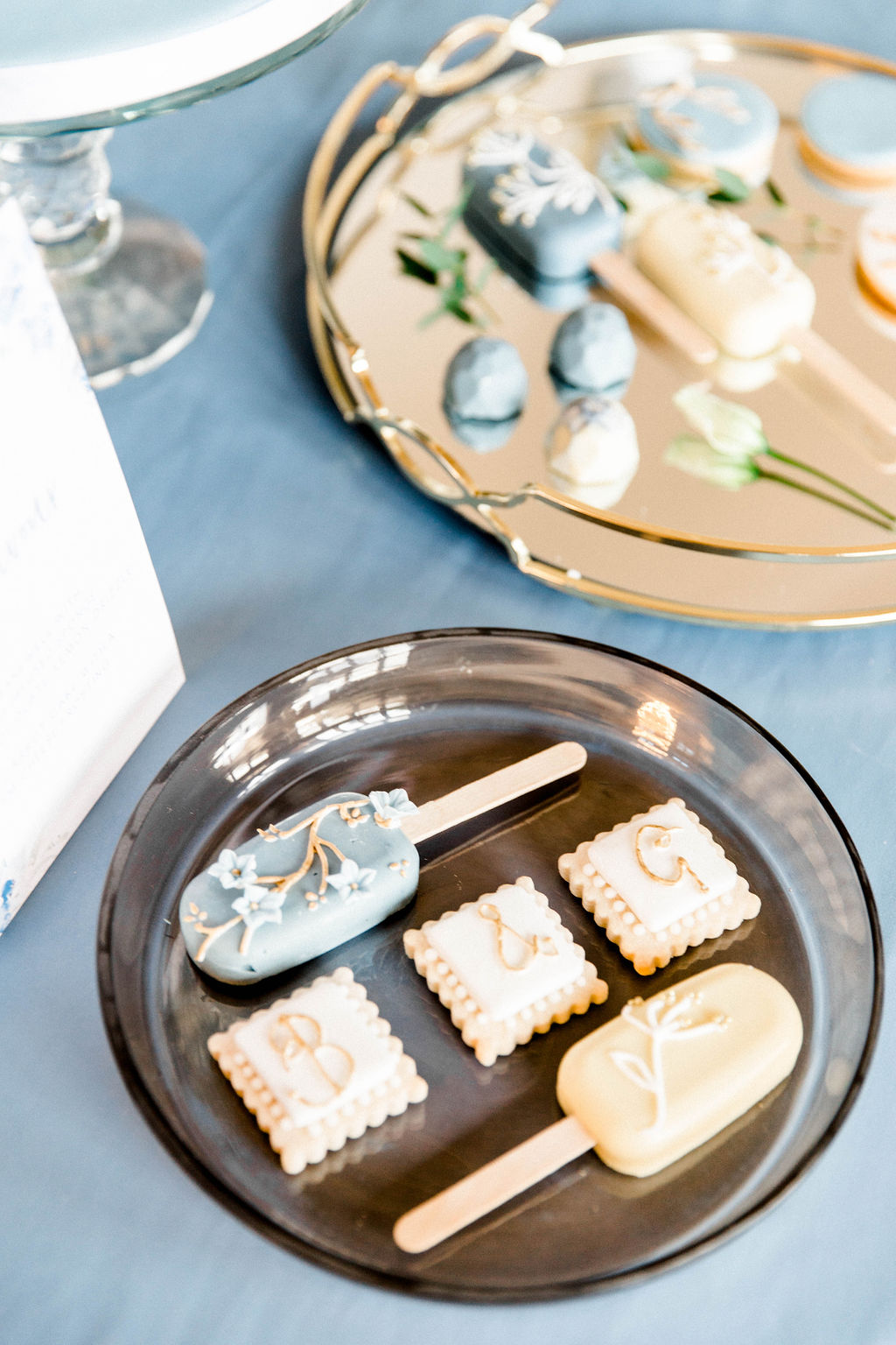 wedding favours and inspiration for sweet table