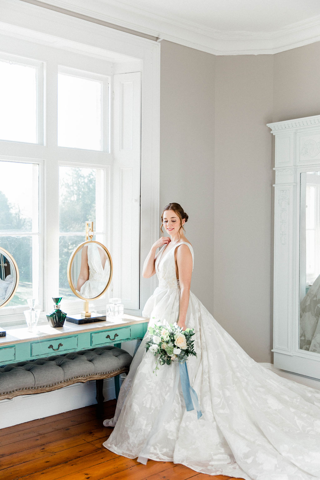 bride getting ready in the bridal suite
