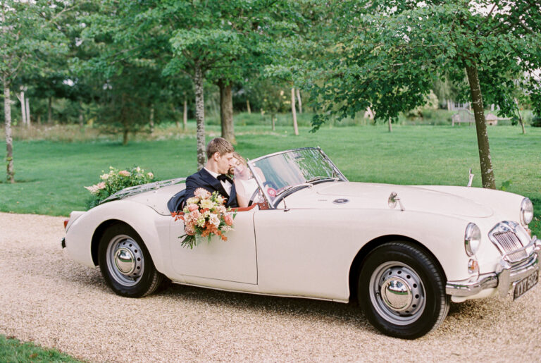 stylish wedding car decoration